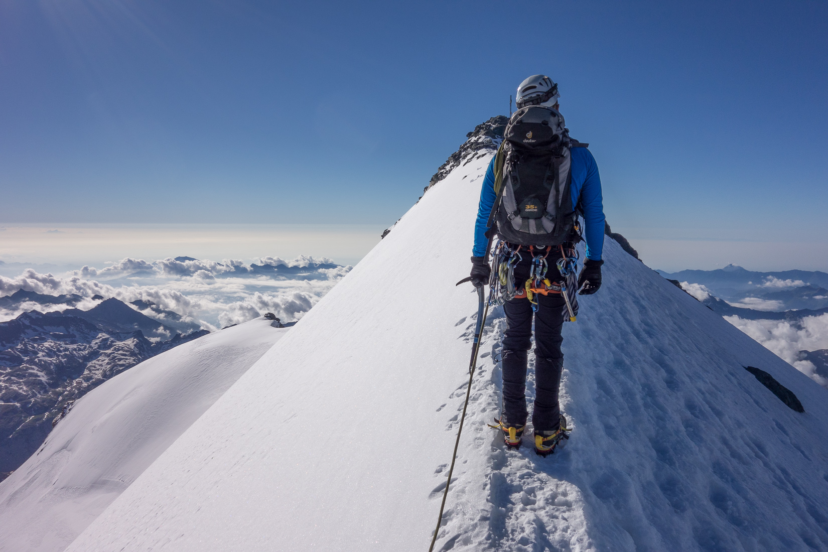 Unexpected summit arete on the Strahlhorn