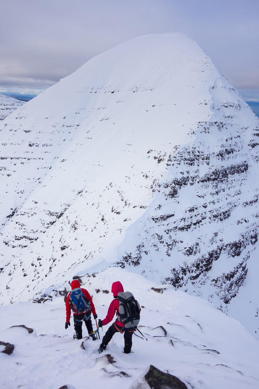 Descending down to the col before Sgurr Mhor