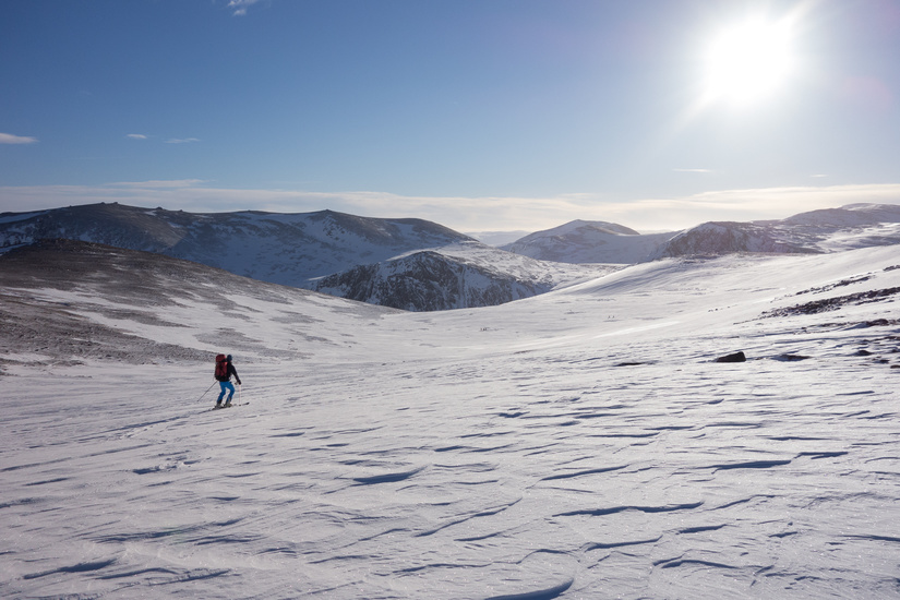 Enjoyable descent into Coire Raibeirt