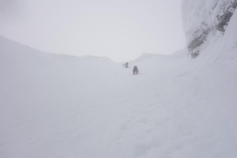 Descending number 3 gully