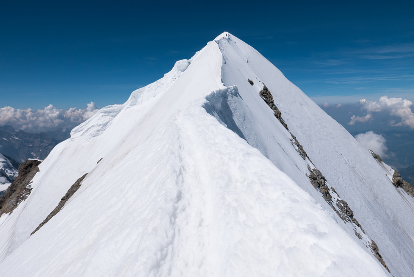 The superbly exposed summit ridge
