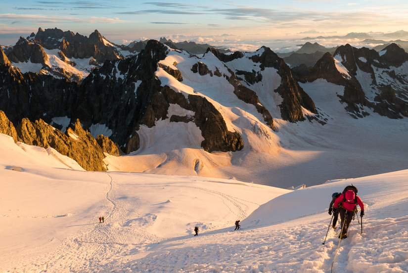 Sunrise on the slopes below the Barre des Ecrins