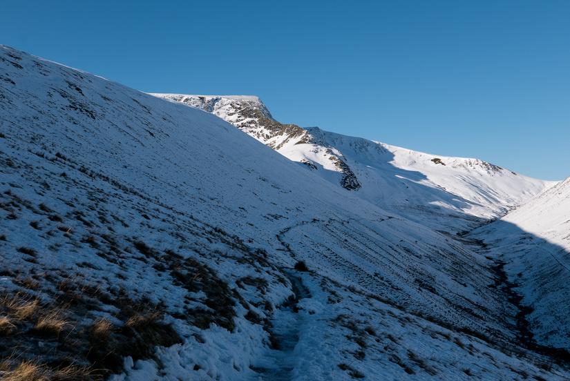 Walking into an alpine Sharp Edge