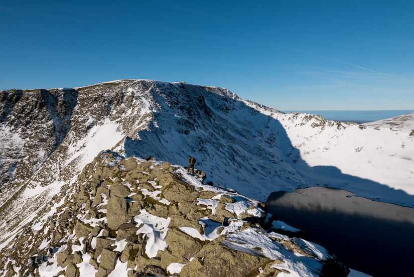 Unprepared people on Striding Edge